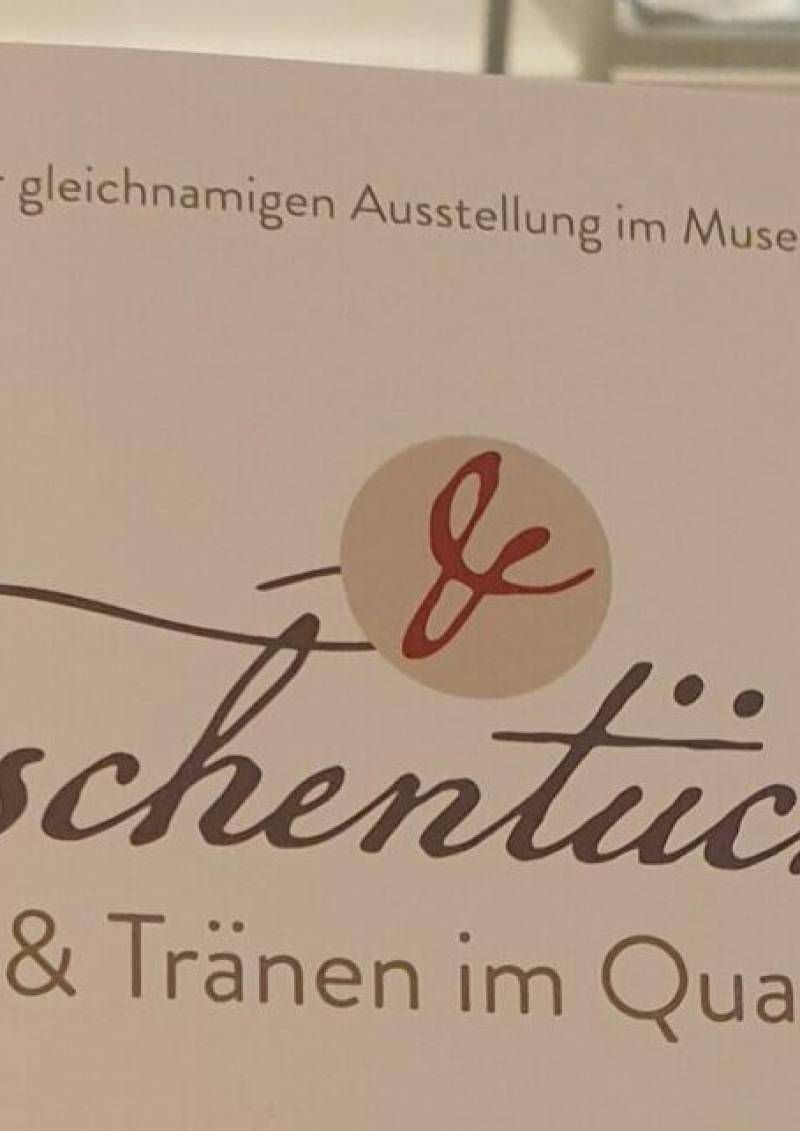 """Publikation zur Ausstellung """"Taschentücher –Trost & Tränen im Quadrat"""" ab sofort erhältlich"""